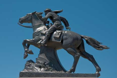 Statue of pony express rider