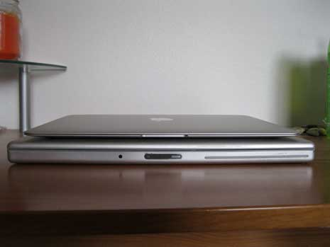 MacBook Air on top of MacBook Pro as seen from the front