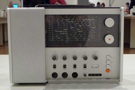 Braun T 1000 Multiwave Radio (1963) by Dieter Rams
