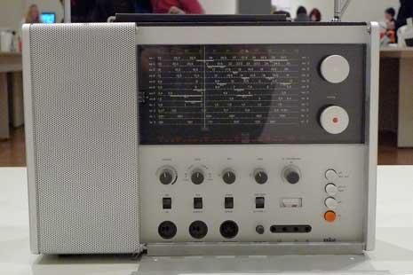 Braun T 1000 Multiwave Radio (1963) by Dieter Rams